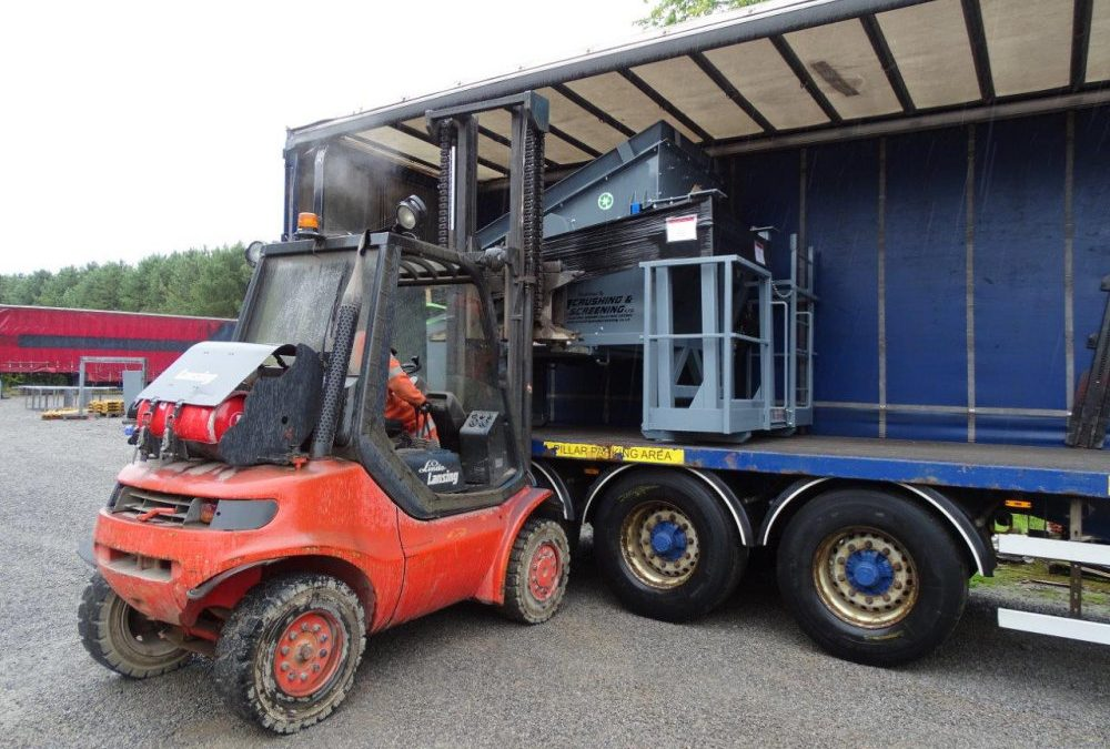 Two More Compact Screens sold and loaded ready for export.